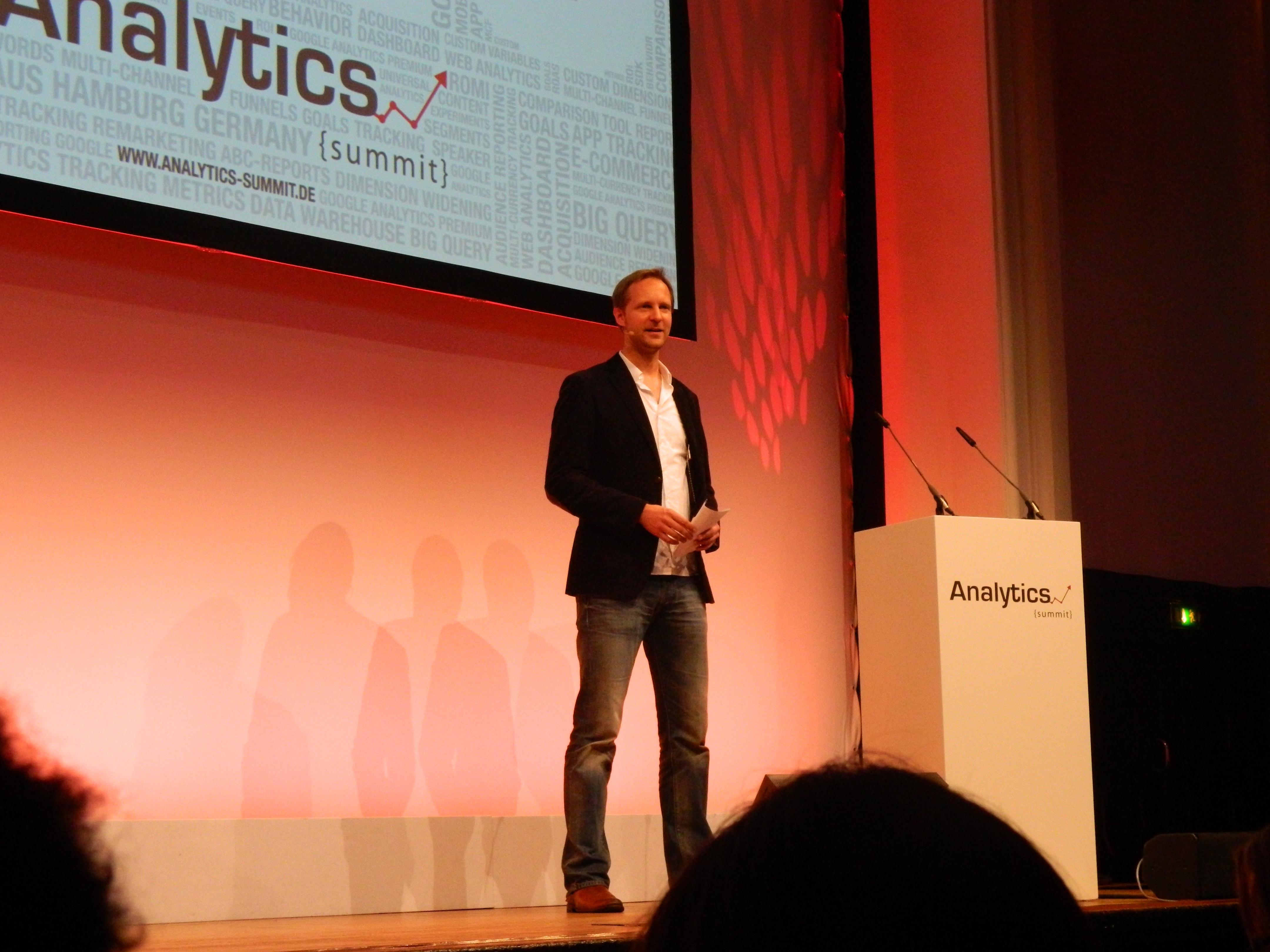 Timo Aden bei der Eröffnung des Analytics Summit 2013